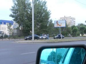 ГИБДД на пересечении Короленко и Ямашева. Останавливают тех, кто повернул налево, вопреки запрещающему знаку