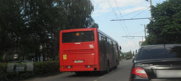 Красный автобус